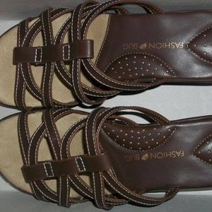 Fashion Bug brown sandals size 8.5 M. New in box